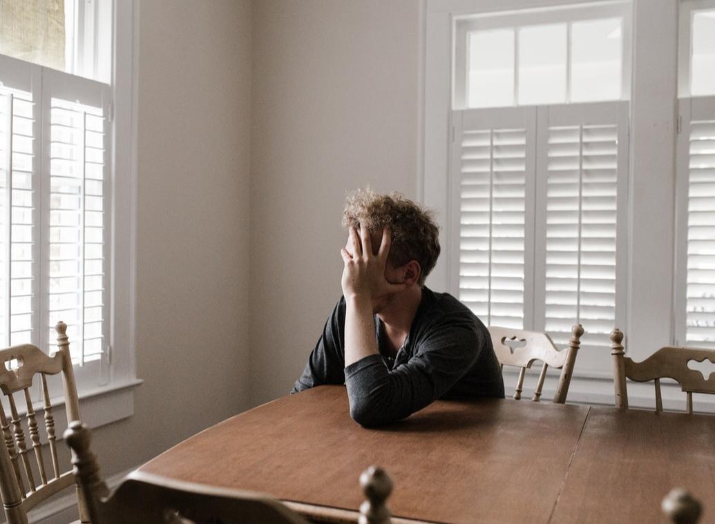 Psychiatrische Erkrankungen: Wie kann man besser mit der Zeit der Kontaktsperre zurechtkommen?