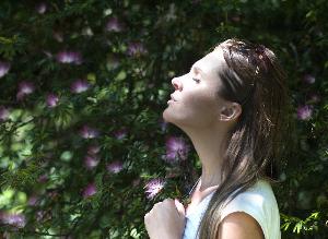 Diagnose, Behandlung, Beziehungen zu Familie und Freunden: die Emotionen, die bei Brustkrebs auftreten